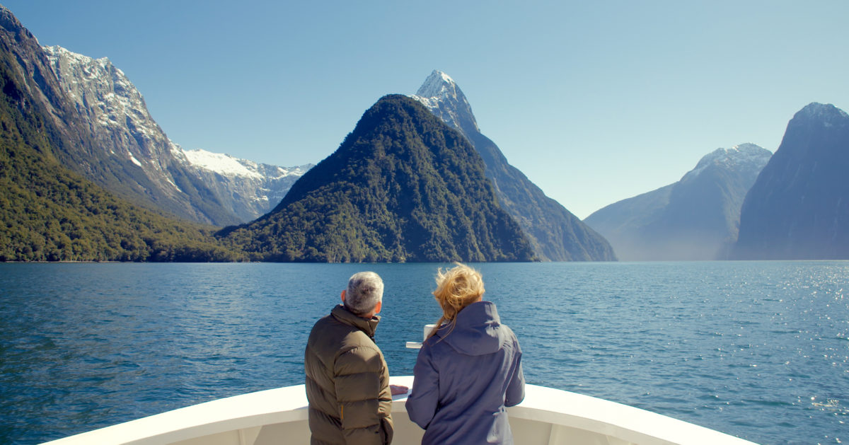 couple on milford sound cruise trip